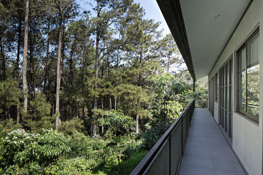 BRG House by Tan Tik Lam Architects (12)