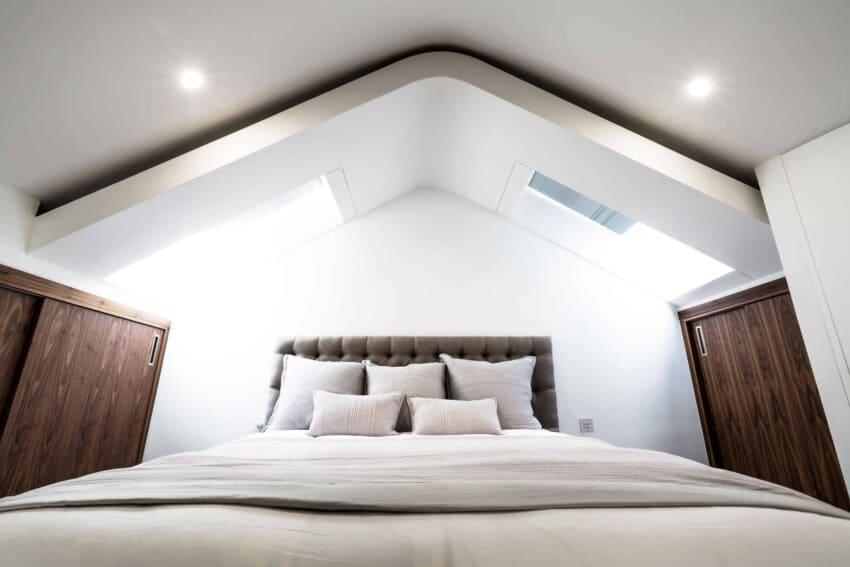 Contemporary Penthouse Apartment by VORBILD architecture (7)