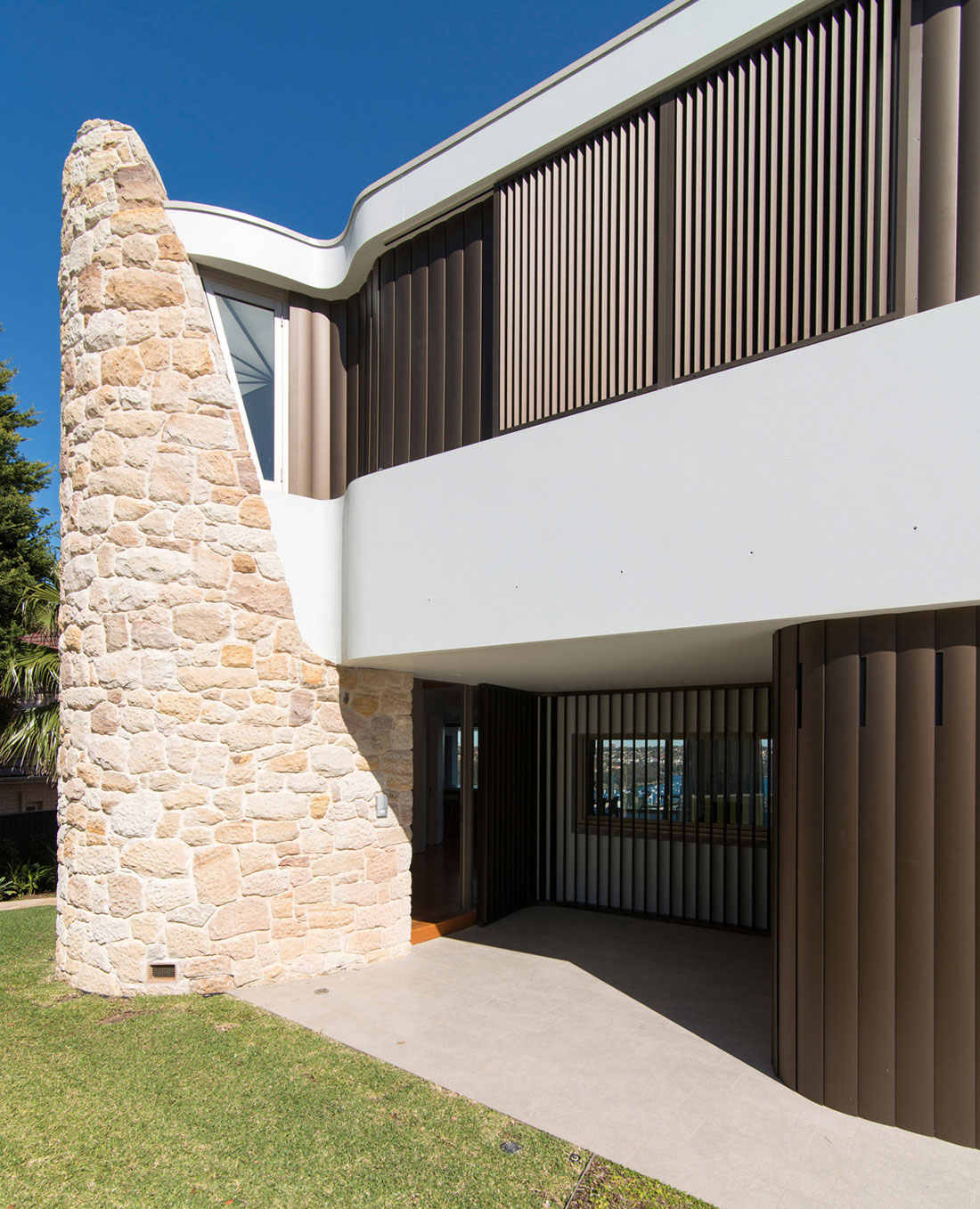 Martello Tower Home by Luigi Rosselli Architects (2)