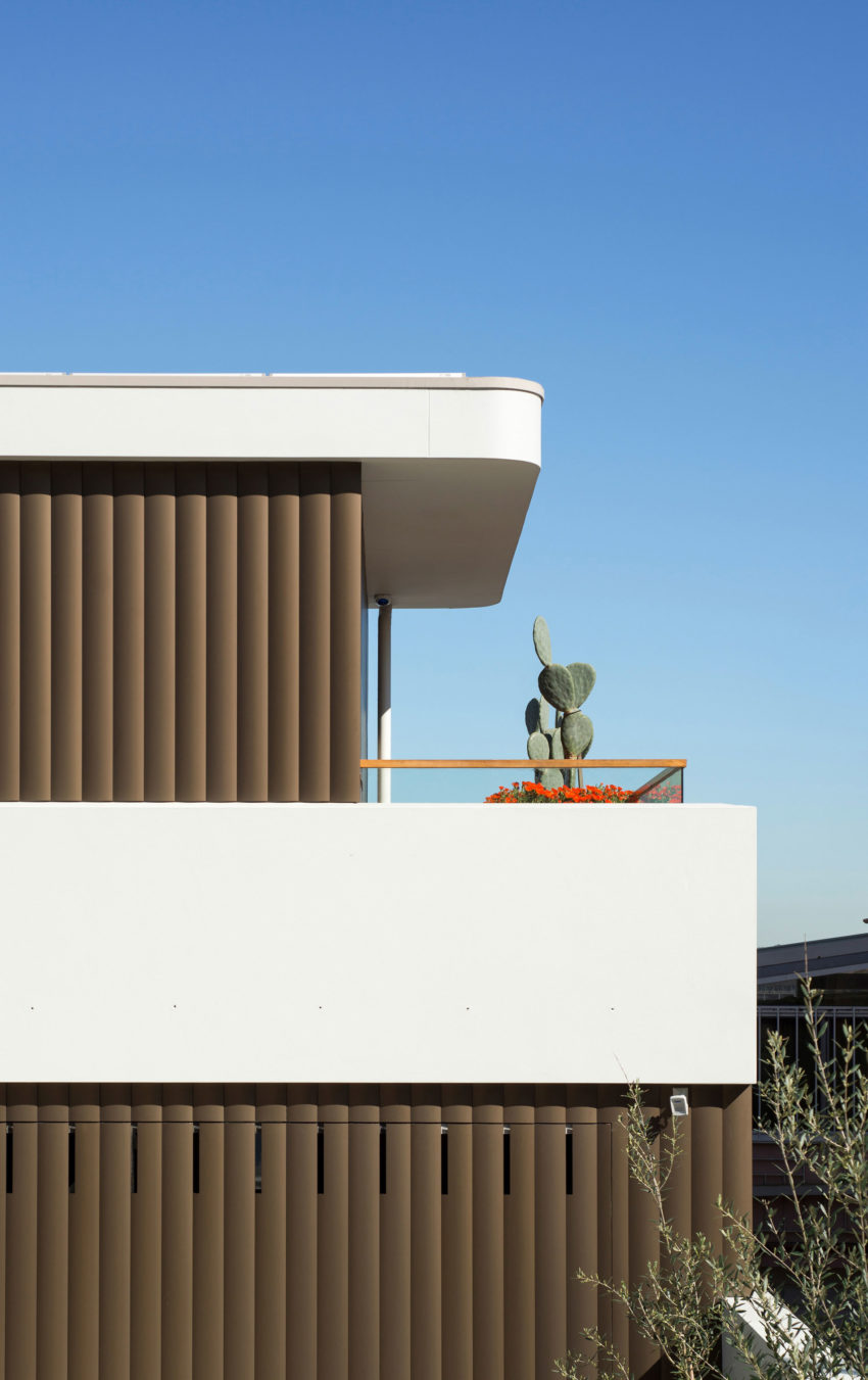 Martello Tower Home by Luigi Rosselli Architects (5)