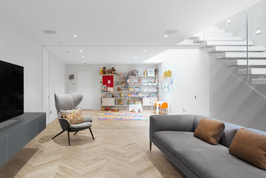 SW6 Lightwell House by Emergent Design Studios (3)