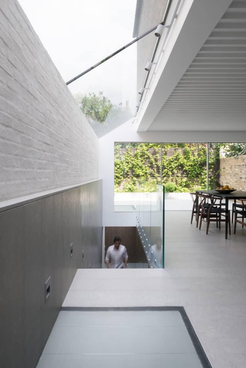 SW6 Lightwell House by Emergent Design Studios (11)