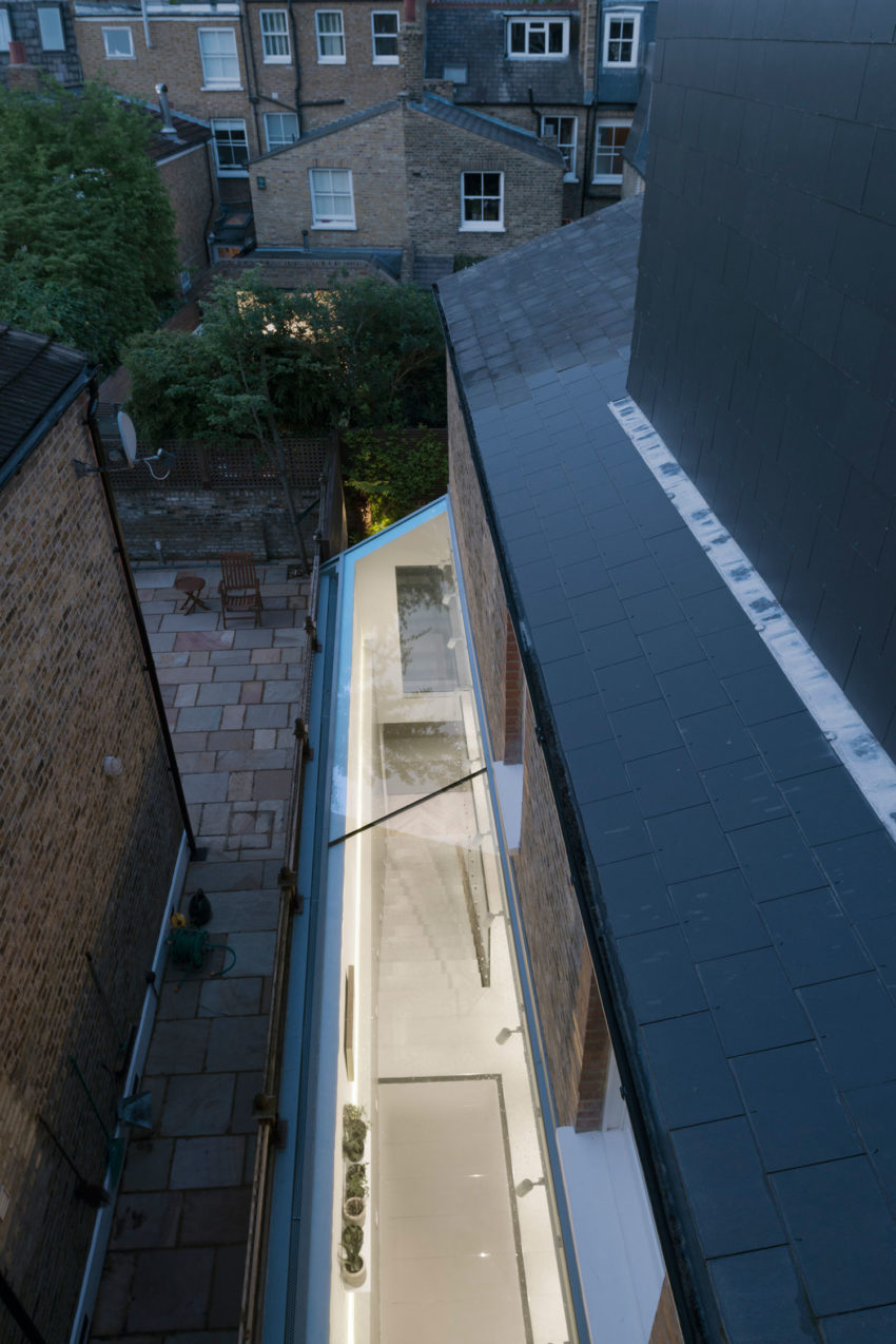 SW6 Lightwell House by Emergent Design Studios (15)