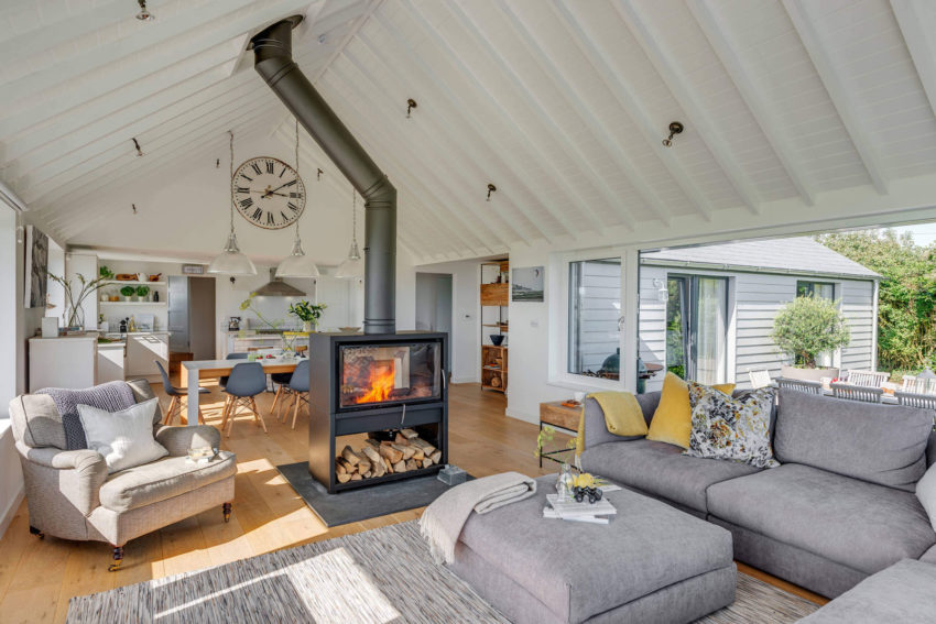 Woodford architecture and interiors design a comfortable for Coastal home architecture
