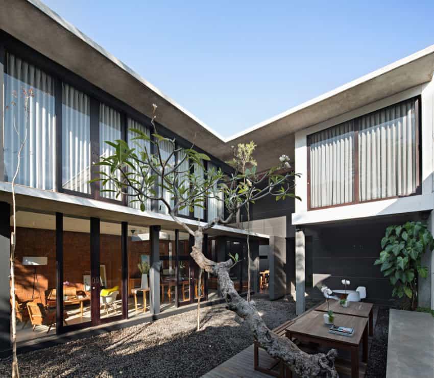 Somia Design Studio Creates an Elegant Private Residence in Bali