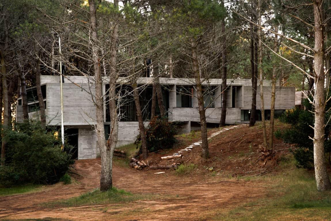 Valeria House by BAK Arquitectos (1)