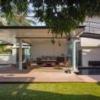 Villa Ribander by Raya Shankhwalker Architects (5)