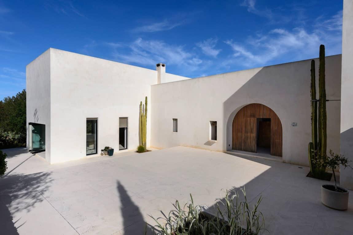 Villa in Ibiza by arcosarchitecture (7)