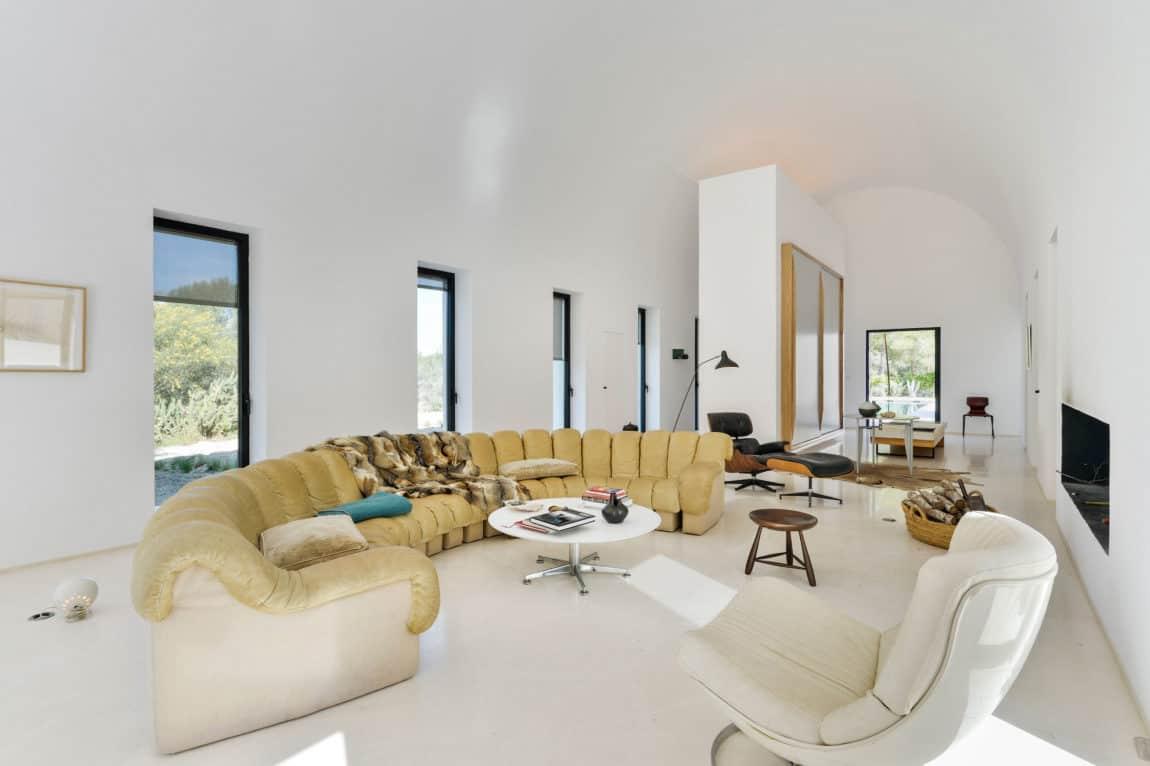Villa in Ibiza by arcosarchitecture (12)