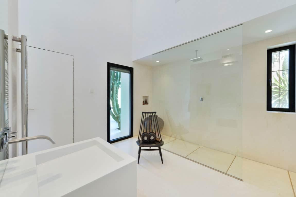 Villa in Ibiza by arcosarchitecture (23)