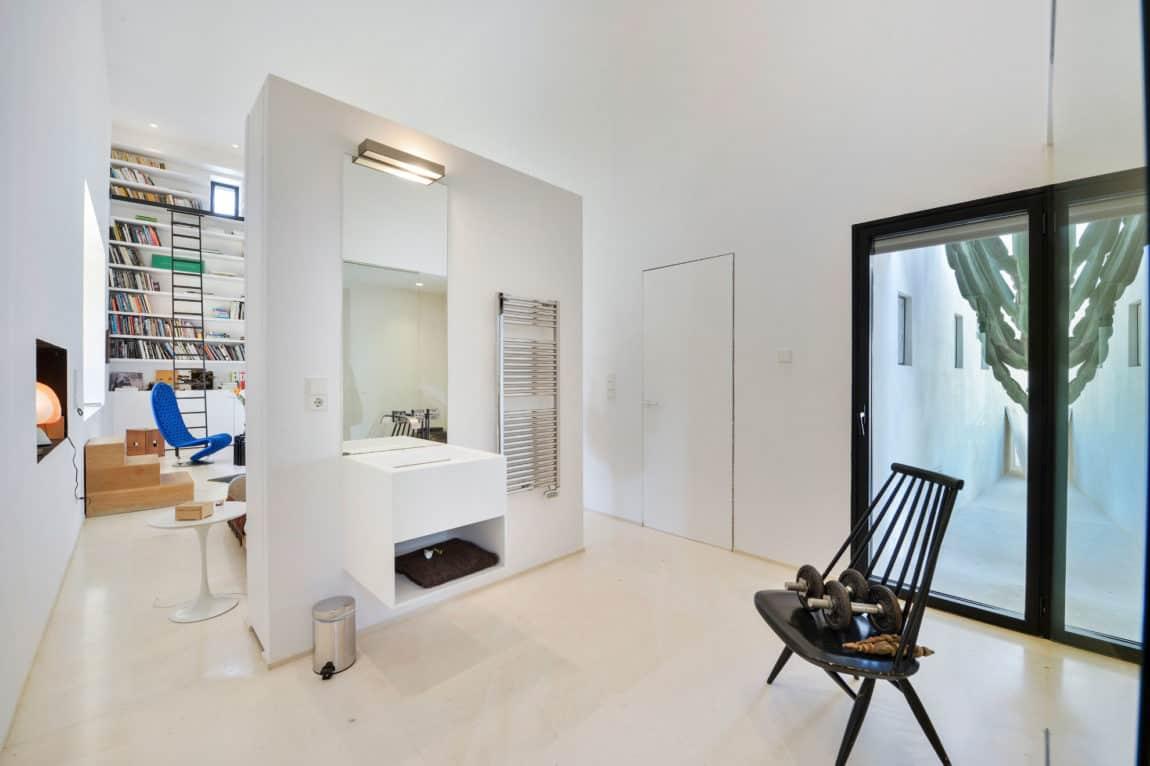 Villa in Ibiza by arcosarchitecture (24)