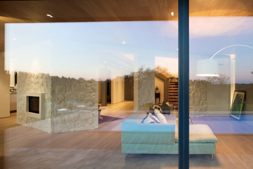 Villa on The Hills by iarchitects (3)
