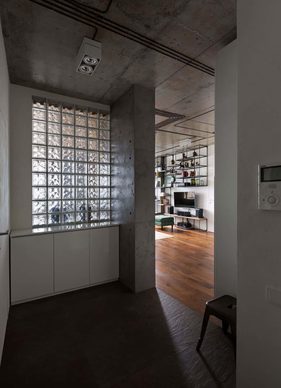 Vishnya Apartment by Sergey Makhno Architects (1)