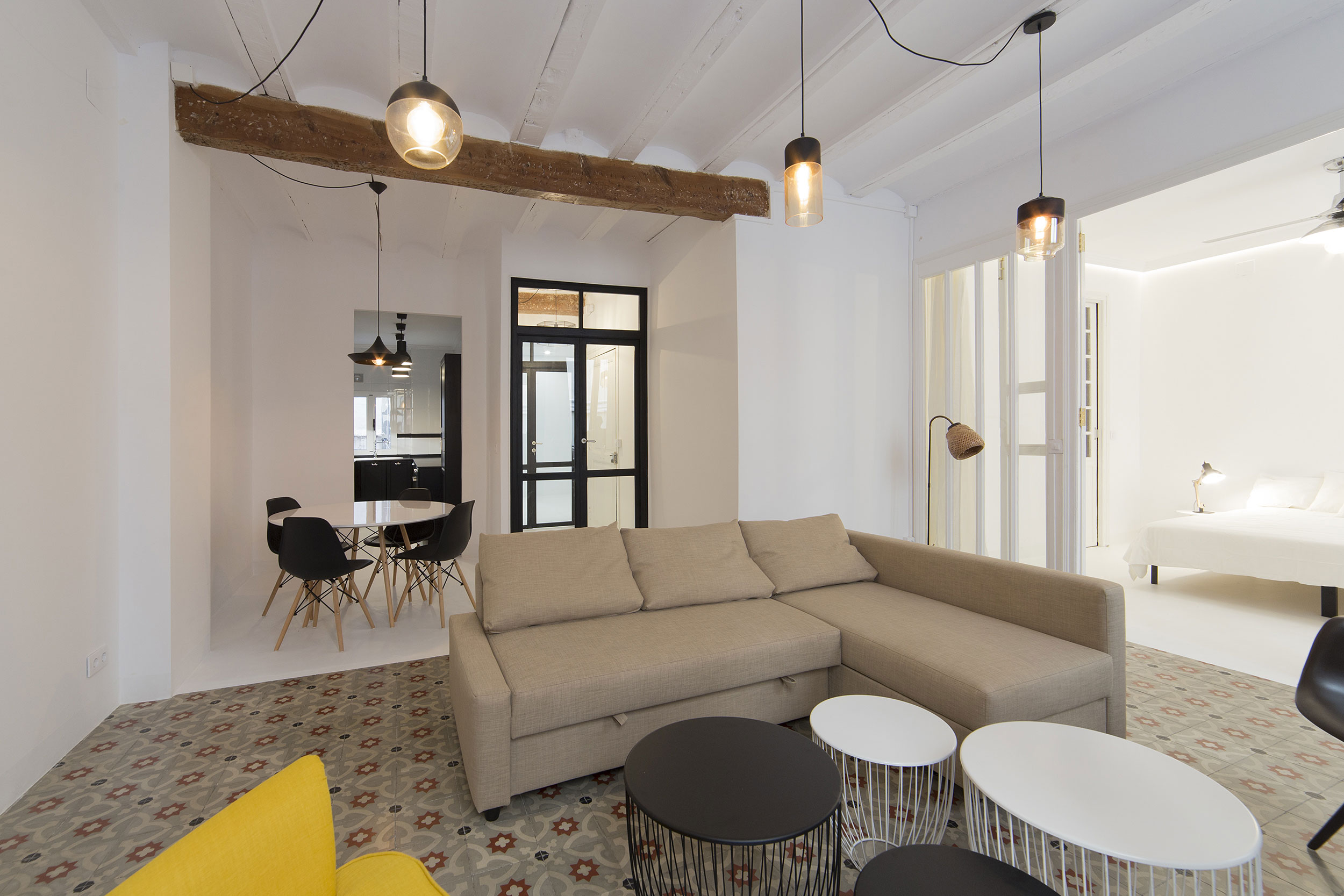 Apartment in Old City by Anne Guinault (2)