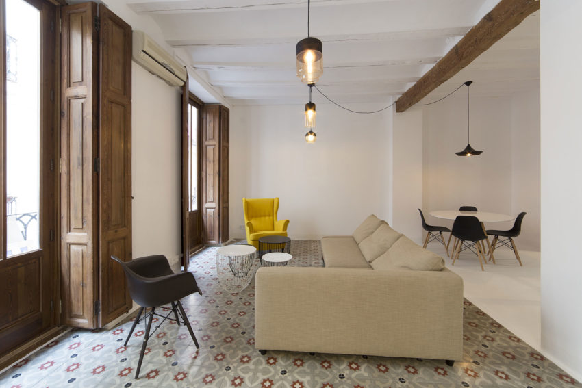 Apartment in Old City by Anne Guinault (4)