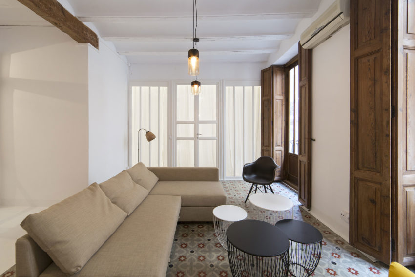 Apartment in Old City by Anne Guinault (6)