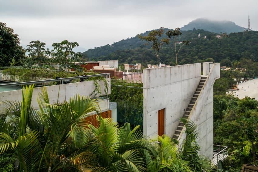 SPBR Arquitetos Design a Contemporary Home in Ubatuba, Brazil
