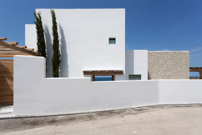 Driessen House by Antonio Altarriba Arquitecto (1)