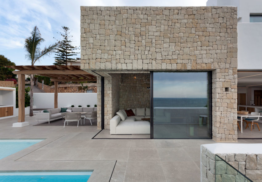 Driessen House by Antonio Altarriba Arquitecto (3)