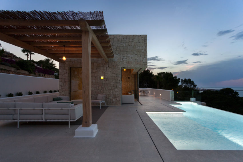 Driessen House by Antonio Altarriba Arquitecto (10)