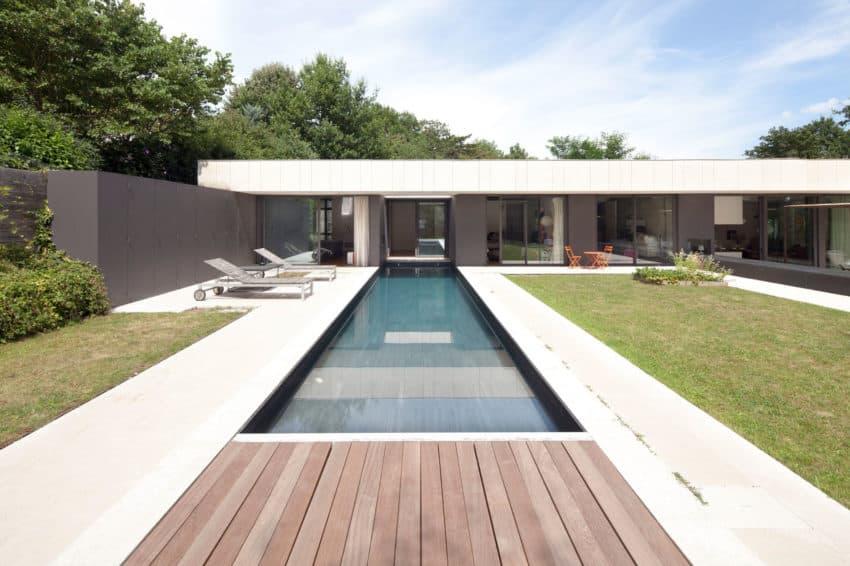 House Charbonnières-les-Bains by Atelier Didier Dalmas (2)