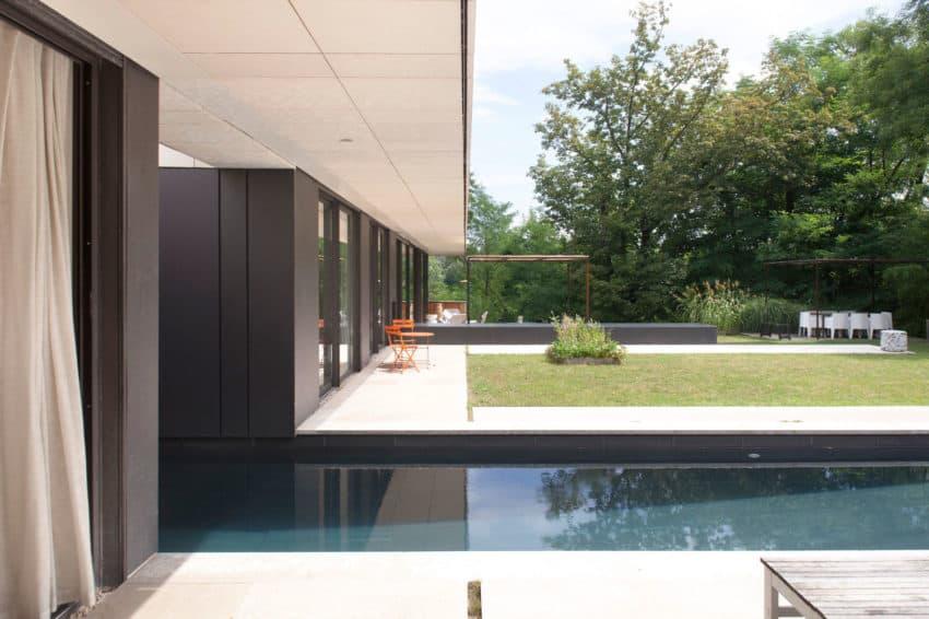 House Charbonnières-les-Bains by Atelier Didier Dalmas (3)