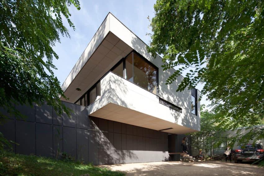 House Charbonnières-les-Bains by Atelier Didier Dalmas (5)