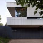 House Charbonnières-les-Bains by Atelier Didier Dalmas (6)