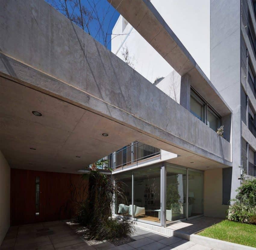 Libertad Street House by Pedro Livni (3)