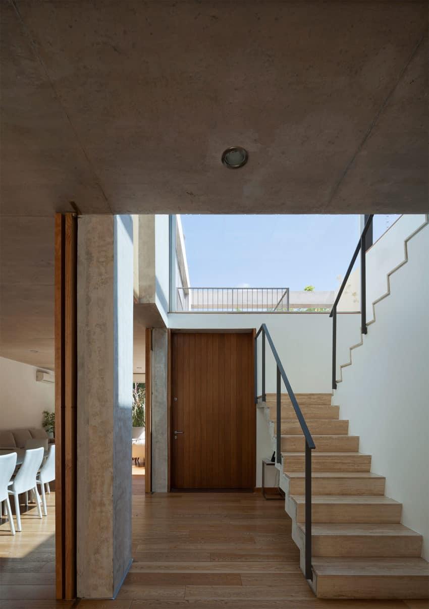 Libertad Street House by Pedro Livni (12)