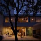 Libertad Street House by Pedro Livni (18)