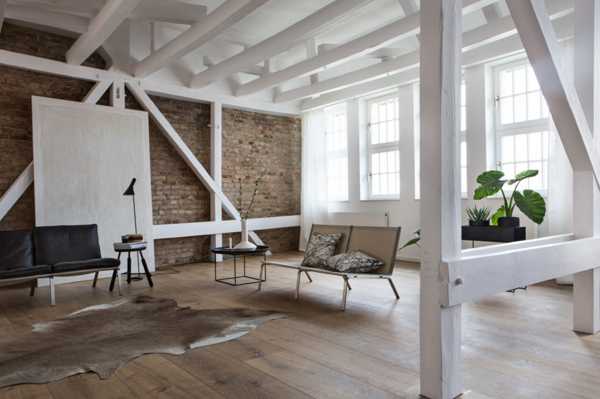 santiago brotons design a clean and stylish loft apartment in berlin. Black Bedroom Furniture Sets. Home Design Ideas