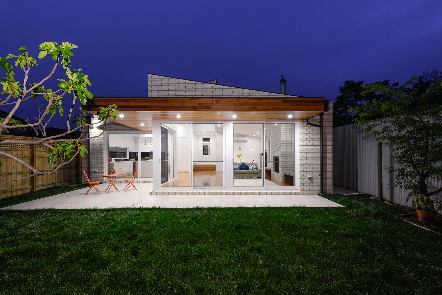 Itn Architects Complete A Renovation And Extension To An Old 1880 S Victorian Brick House In An Old Suburb Of Melbourne Australia