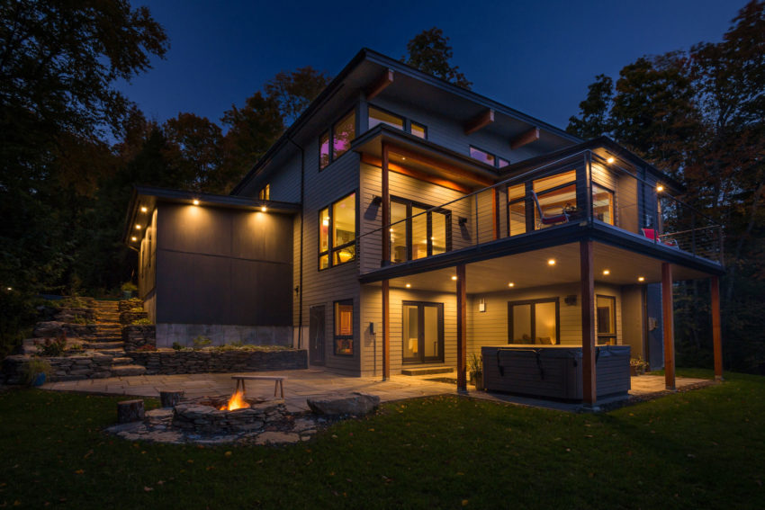 The Mad River Modern by Yankee Barn Homes (9)