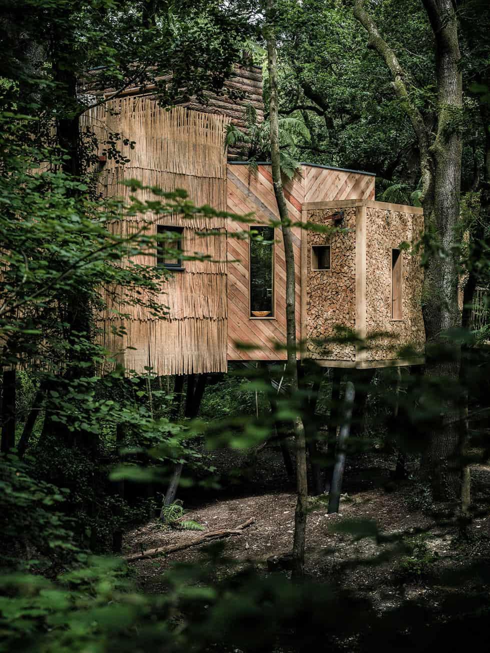 The Woodman's Treehouse by Mallinson Ltd & BEaM studio (2)