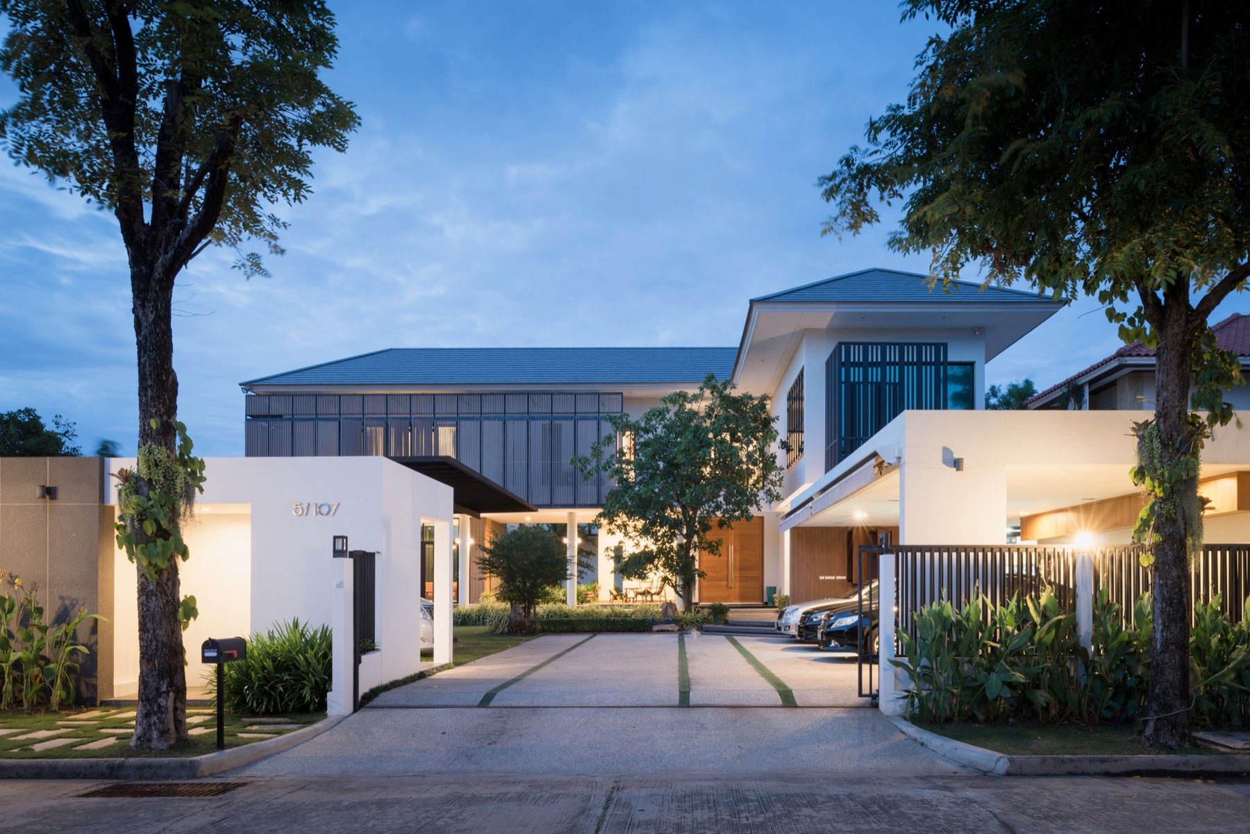 House design thailand - Archimontage Design Fields Sophisticated Design A Private Residence In Nonthaburi Thailand