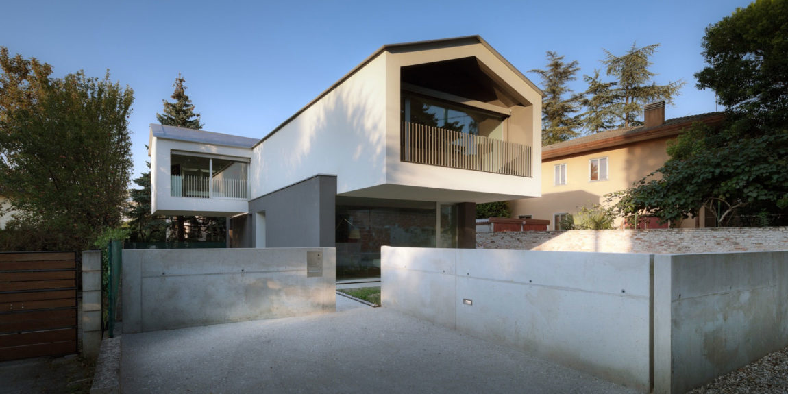 Turned House by MZC Plus (1)