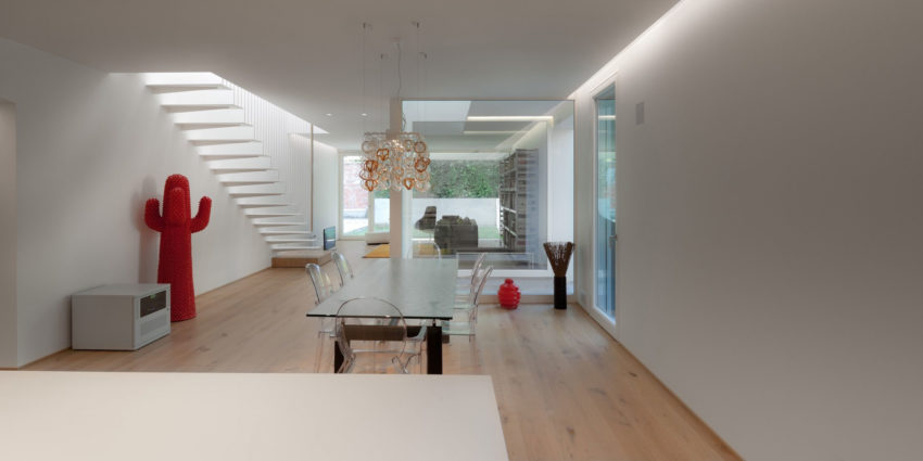 Turned House by MZC Plus (12)