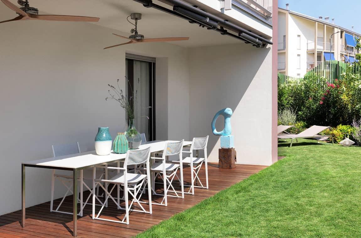 Urban House with Garden by Matteo Nunziati (1)