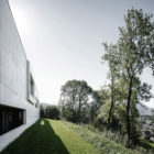 Concrete House by Marte.Marte Architects (19)