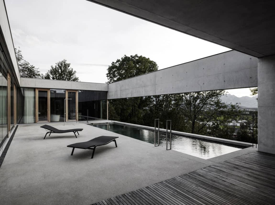 Concrete House by Marte.Marte Architects (23)