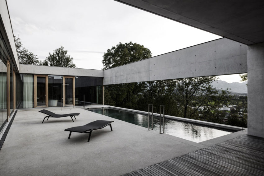 Concrete House by Marte.Marte Architects (23)