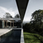 Concrete House by Marte.Marte Architects (25)