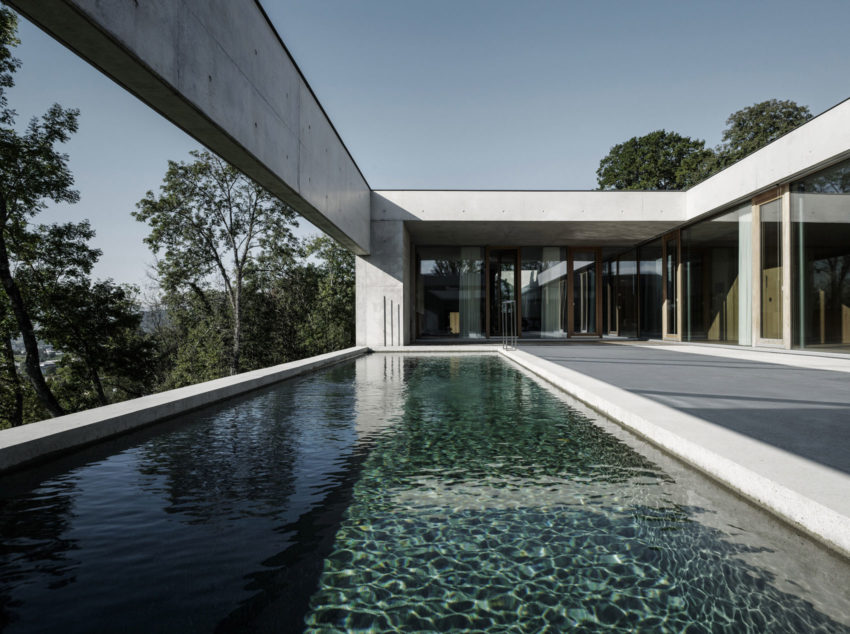 Concrete House by Marte.Marte Architects (26)