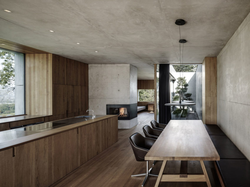 Concrete House by Marte.Marte Architects (34)