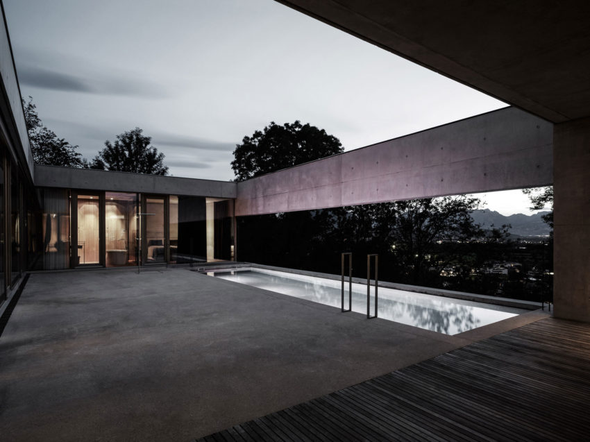 Concrete House by Marte.Marte Architects (37)