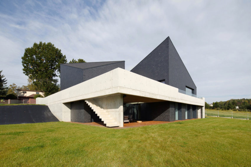 House in Krostoszowice by RS+ Robert Skitek (4)