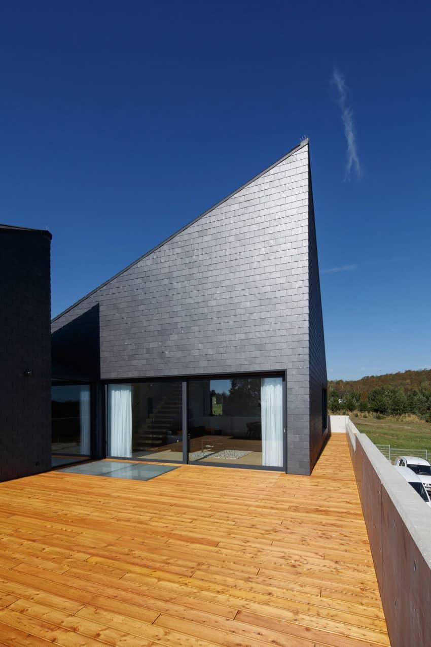 House in Krostoszowice by RS+ Robert Skitek (8)