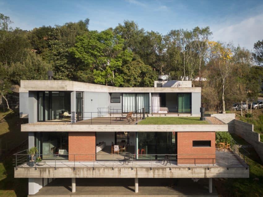 Pereira Narvaes House by SUCRA Arquitetura + Design (8)