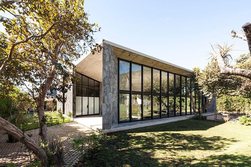 Cadaval and Solà-Morales Design a Contemporary Home in Tepoztlán, México
